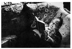 Robert Frank, Zero Mostel Reads a Book